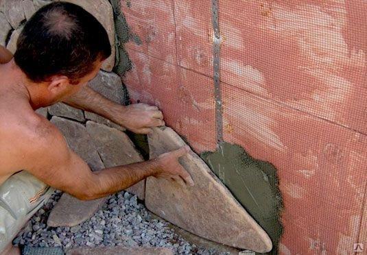 Облицовка утепленного цоколя искусственным камнем